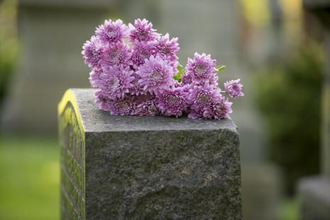 Monuments funéraires à Huy, Marchin, Villers-le-Bouillet et Braives